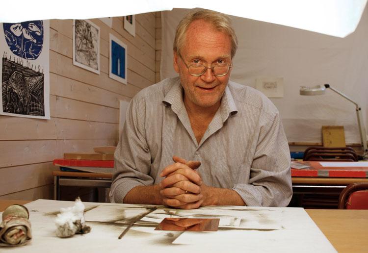 Lars Nyberg i sin ateljé.