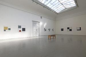Åtta målningar av Kjell Strandqvist 2019 på Konstakademien.