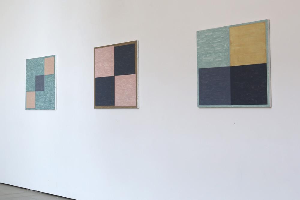 Kjell Strandqvists målningar 23-25, akryl på smärting.