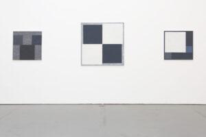 Kjell Strandqvists målningar 7-10, akryl på smärting.
