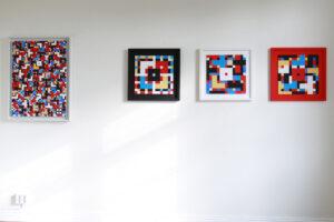 C Göran Karlssons målning Tro, hopp och kärlek, lycka och glädje, sol och blå himmel - tempera på duk (till vänster) och triptyken Tro, hopp och kärlek - tempera på papper (till höger)