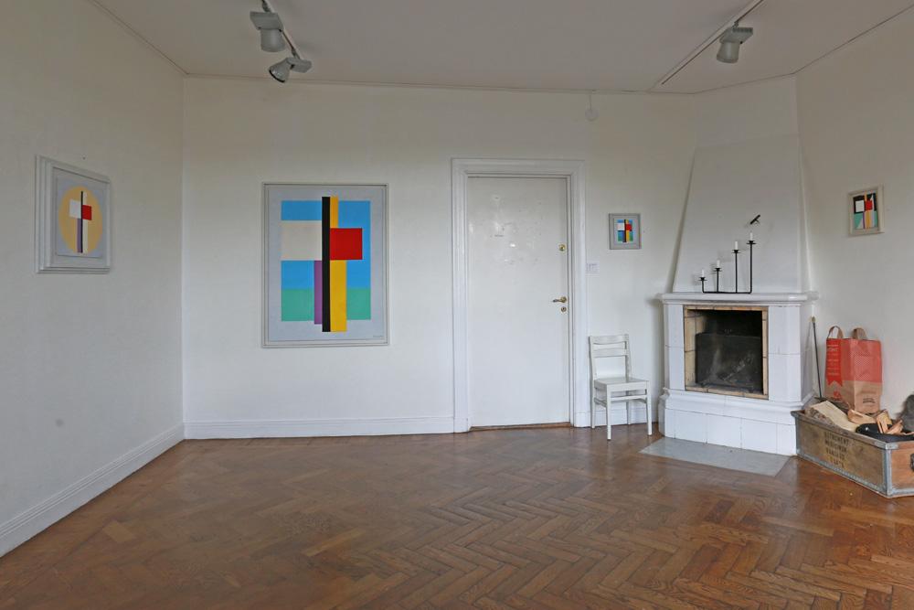 C Göran Karlsson's paintings in the first room at Sigtuna Kulturgård.